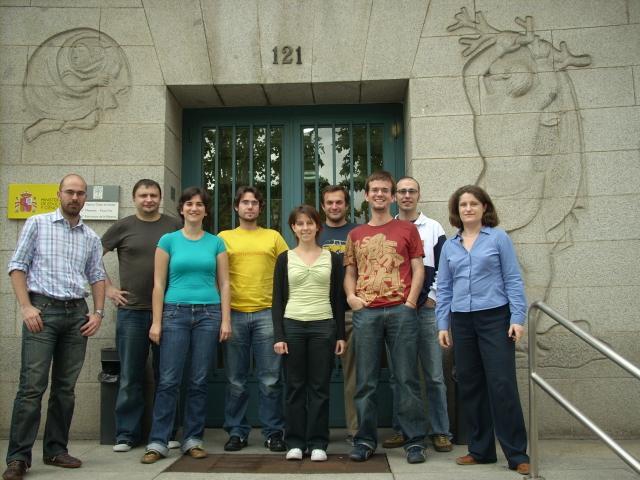 Part of the lab in 2008. From left to right: Alfonso Perez-Escudero, Damian Siedlecki, Laura Remon, Sergio Ortiz, Lucie Sawides, Carlos Dorronsoro, Enrique Gambra, Jose Requejo & Susana Marcos